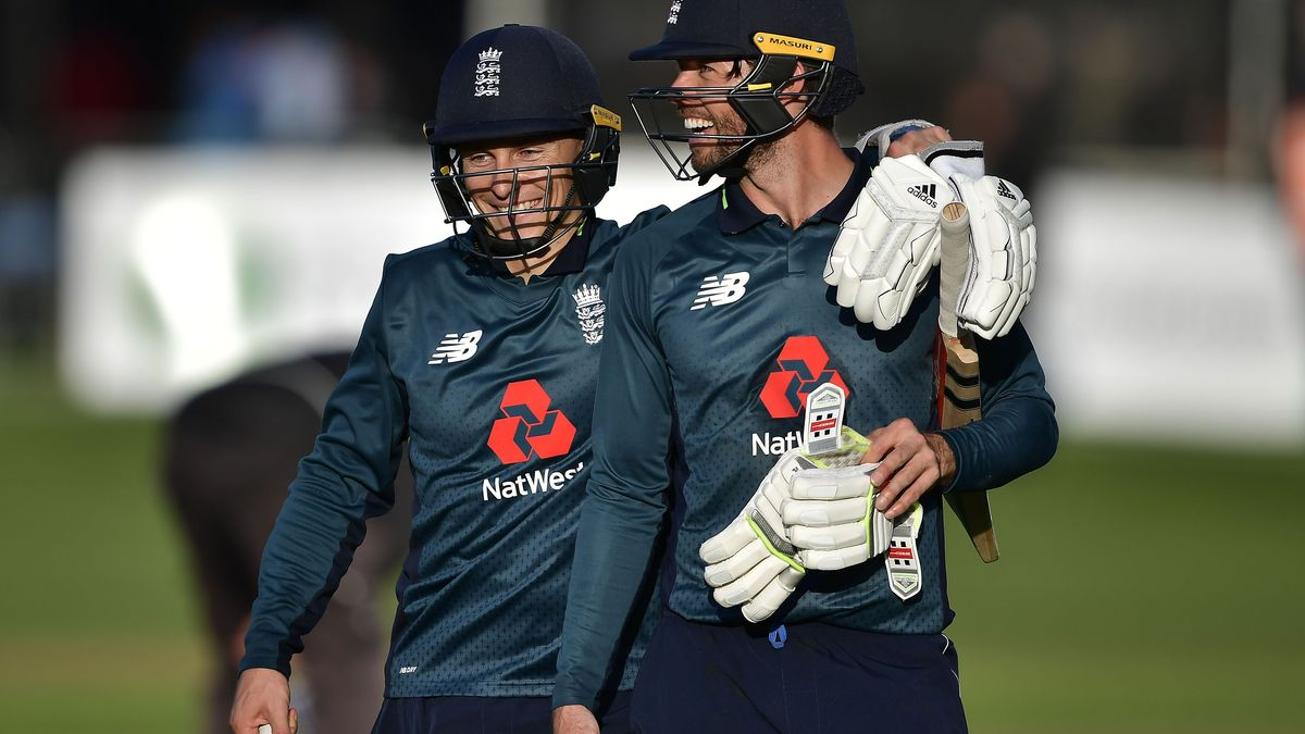 Ben Foakes and Tom Curran celebrate in Ireland