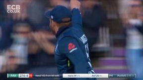 Wicket - Haris Sohail 14 b Plunkett