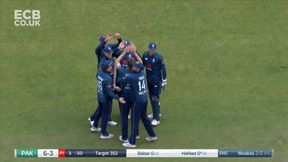 Woakes Gets Another LBW!