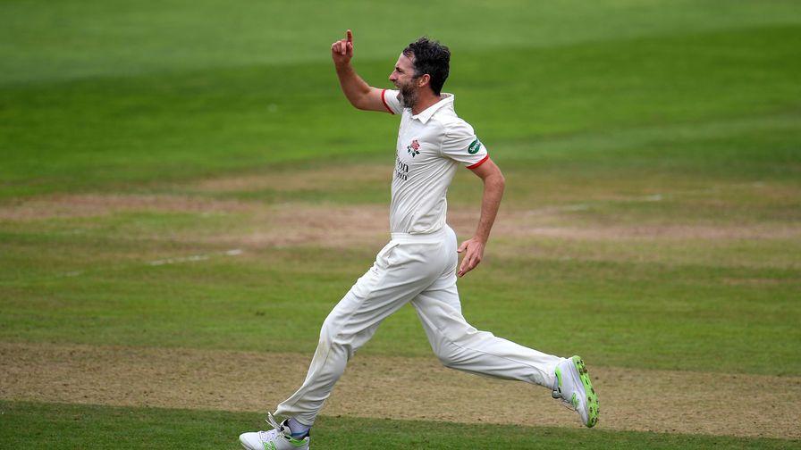 Best bits: Denly sets up Kent win as Onions passes 700