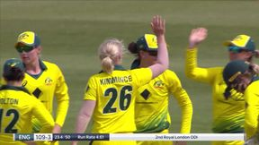 Nat Sciver is out lbw to Kimmince for 15