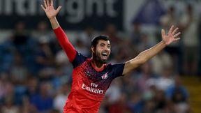 Saqib Mahmood stars as Lightning claim Roses bragging rights