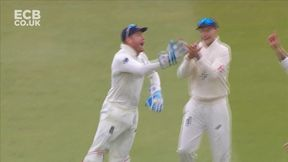 Khawaja edges Woakes behind as England strike twice in quick succession