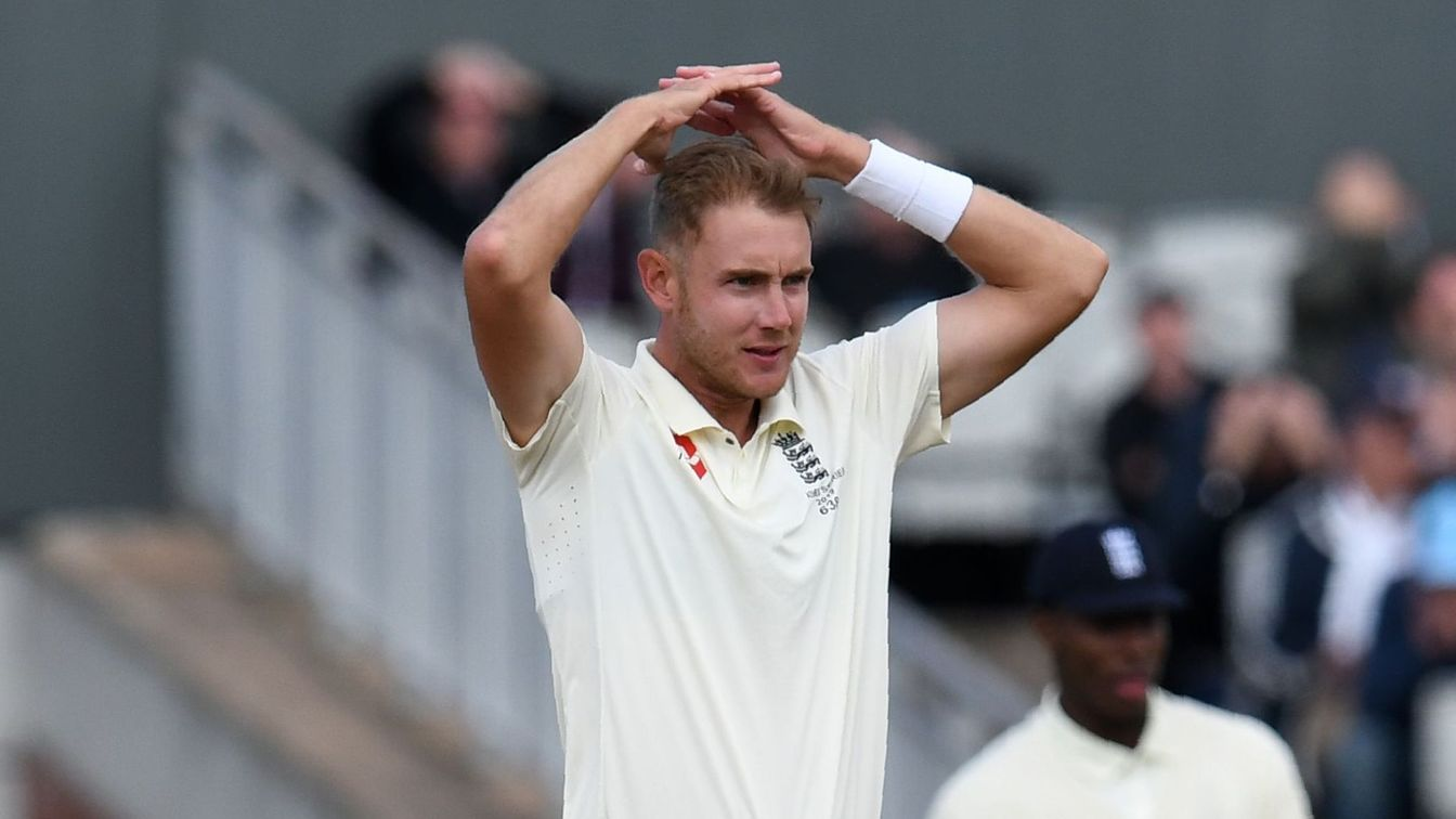 Broad frustrated at Old Trafford