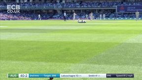 Steven Smith drives Curran back down the ground