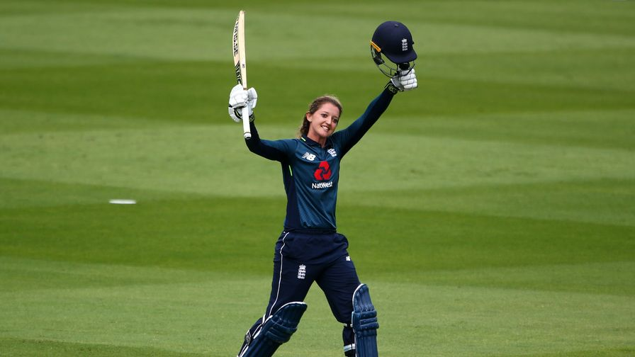 Sarah Taylor retires from international cricket