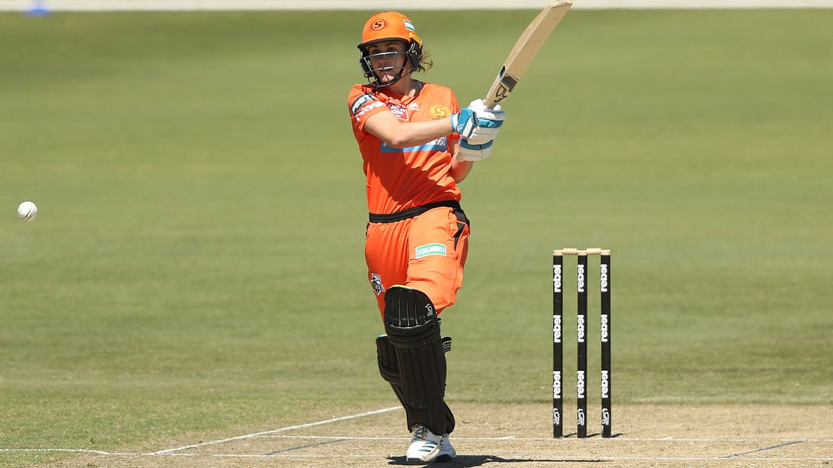 Nat Sciver in action for the Perth Scorchers