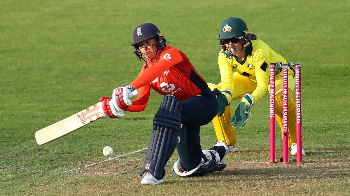 Lauren Winfield has previously captained Yorkshire Diamonds in the Kia Super League.
