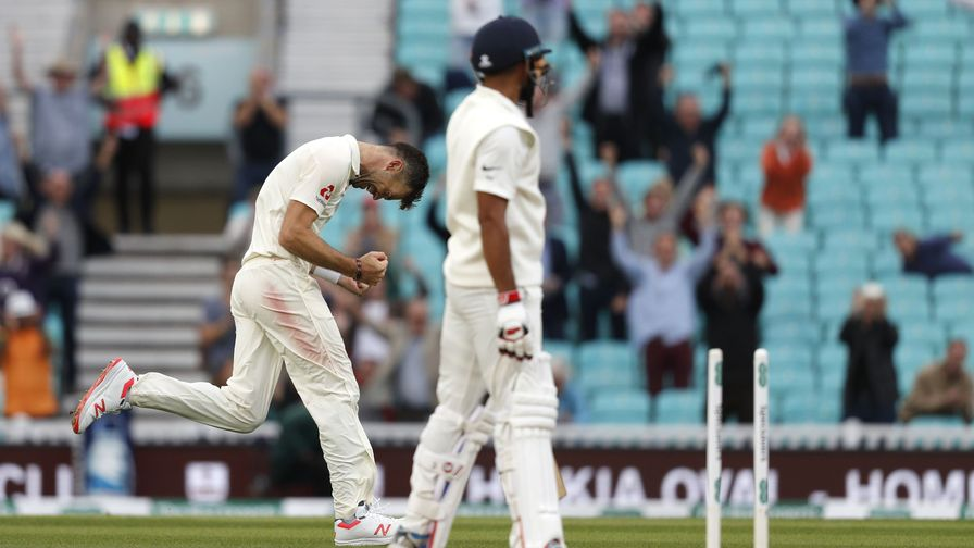 More history made. James Anderson bowls Mohammed Shami to claim his 564th Test wicket and become the most successful fast bowler in Test history.