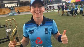Heather Knight receives her 100th ODI Cap from Anya Shrubsole
