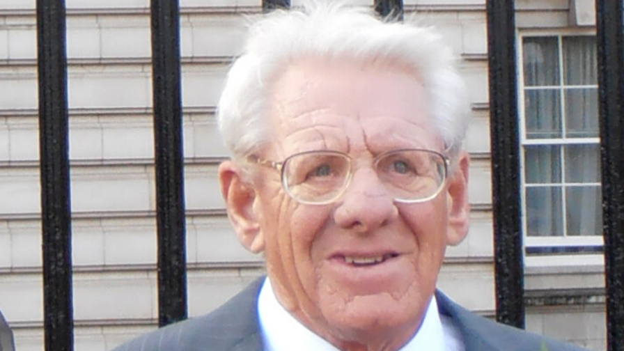 ECB pays tribute to Peter Dury Snr MBE