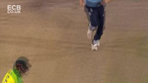 Aaron Finch Wicket b Chris Woakes