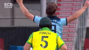 Aaron Finch Wicket lbw Chris Woakes