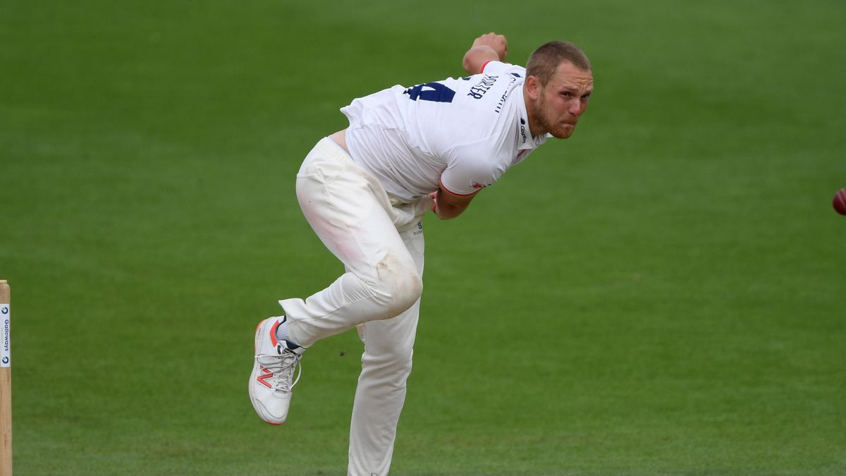 Jamie Porter in action for Essex during the Bob Willis Trophy