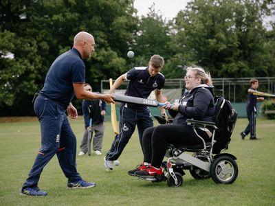 Disability_Cricket_Skills_061