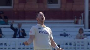 Conway out bowled Robinson
