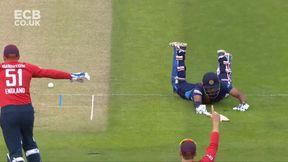 Gunathilaka wicket - run out S Curran
