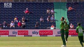 Salt wicket - c Maqsood b Shaheen