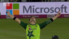 Parkinson wicket - b Shaheen Afridi