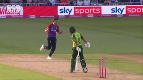 Hafeez out - B T Curran